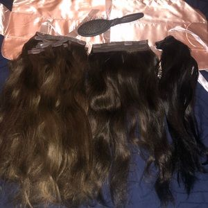 BUNDLE: 15 piece clip-in extensions.